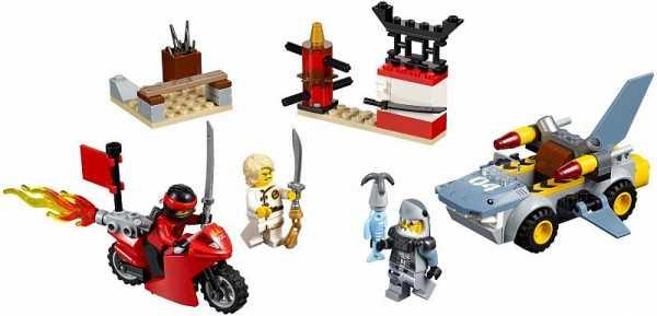 Конструктор LEGO Juniors 10739 Нападение акулы