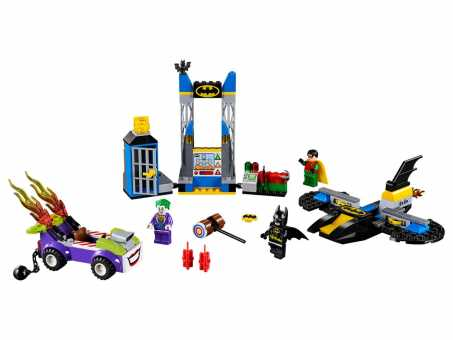 Конструктор LEGO Juniors 10753 Джокер атакует Бэтпещеру