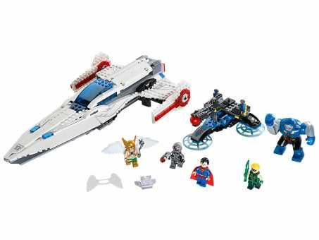 Конструктор LEGO DC Super Heroes 76028 Вторжение Дарксайда